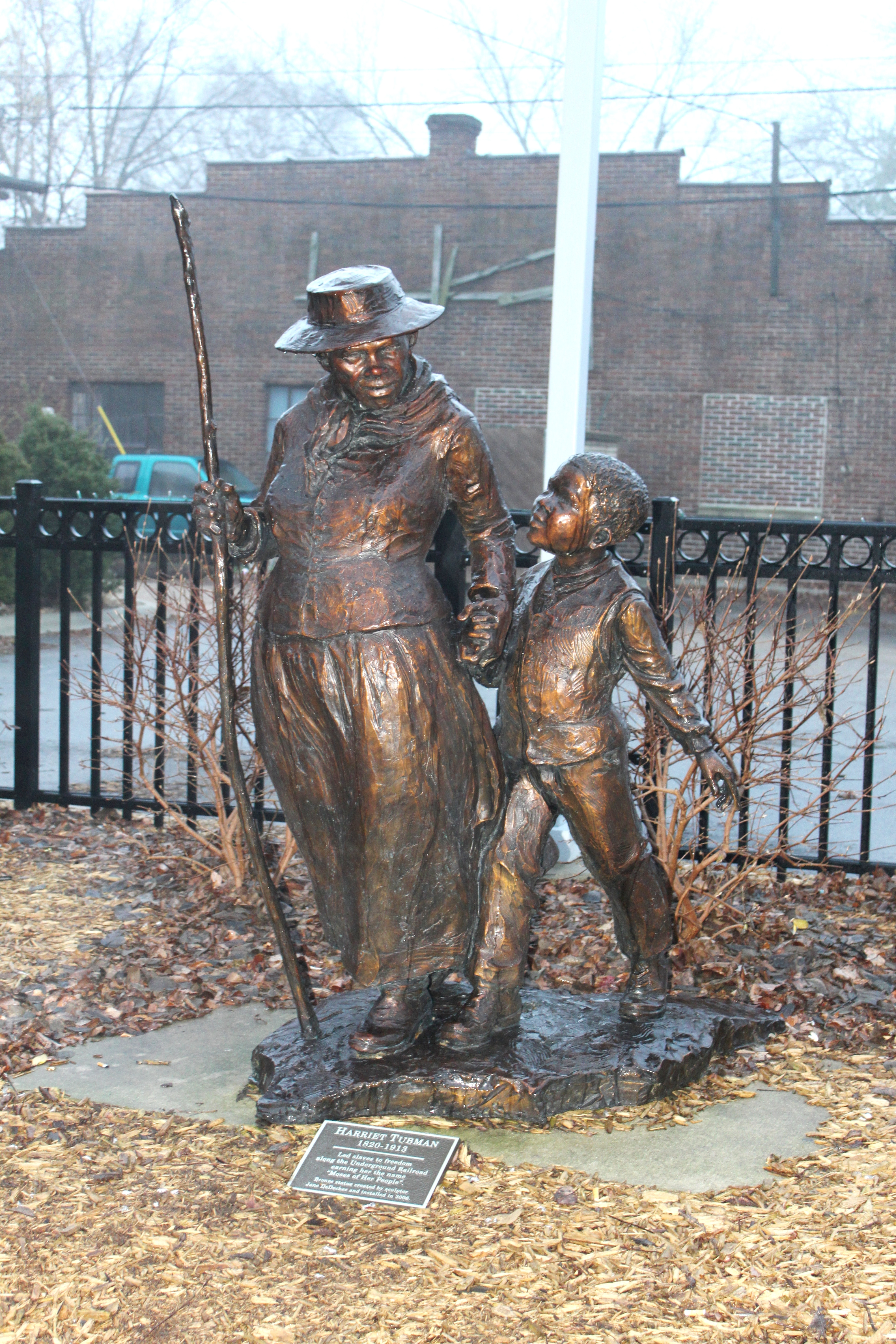 Statue_of_Harriet_Tubman_Ypsilanti_Michigan (1).jpg